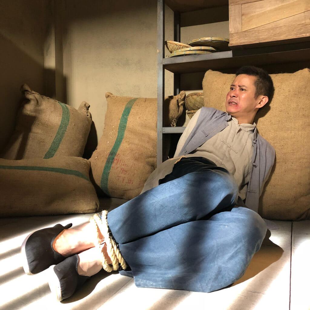 劇集《福爾摩師奶》飾演多口虎,是船運公司苦力。
