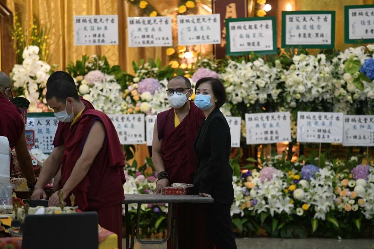 炳哥女兒譚淑瑩表示,疫情過後,父親的骨灰將奉送到加拿大安葬。