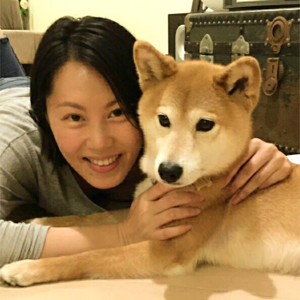 呂太很喜歡小動物,視家中的柴犬為「親密愛人」。