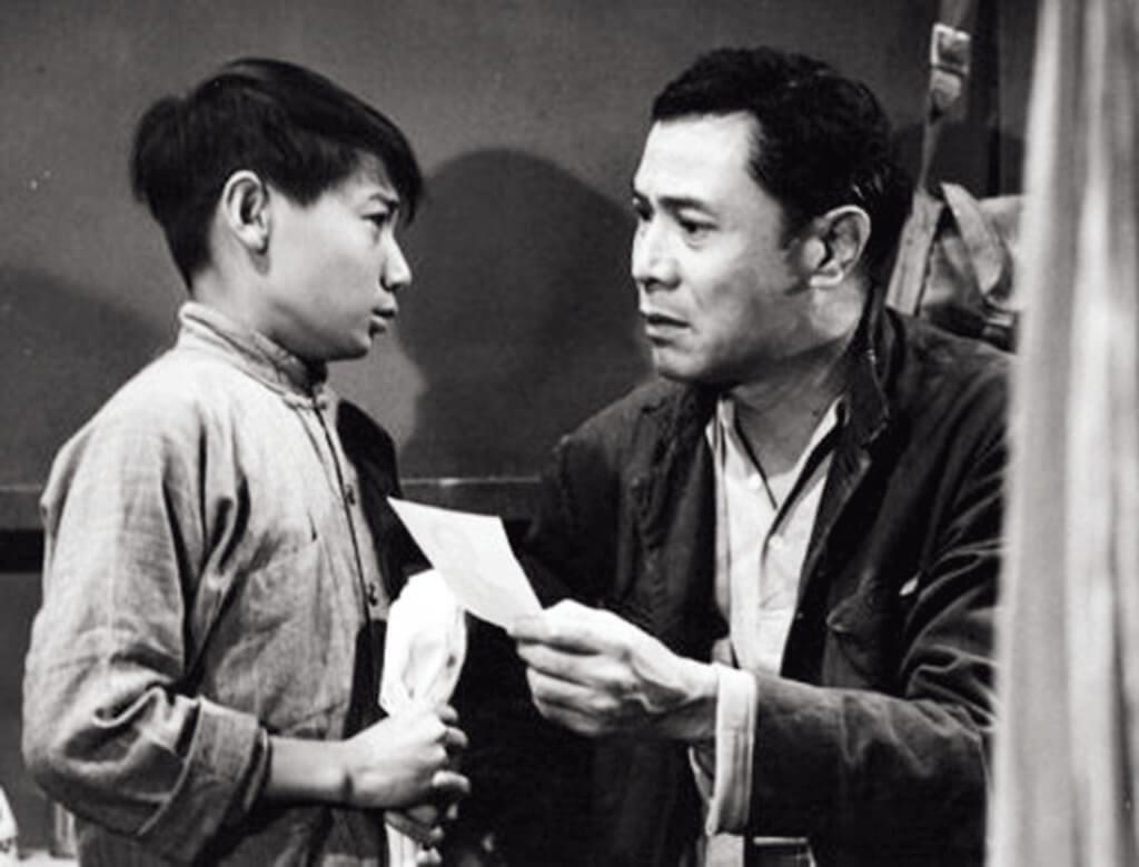 石修七歲開始做童星,跟很多當時得令的大明星合作,在粵語片《火窟幽蘭》中與吳楚凡及張瑛合作,他至今仍難忘兩位前輩對他疼愛有加。