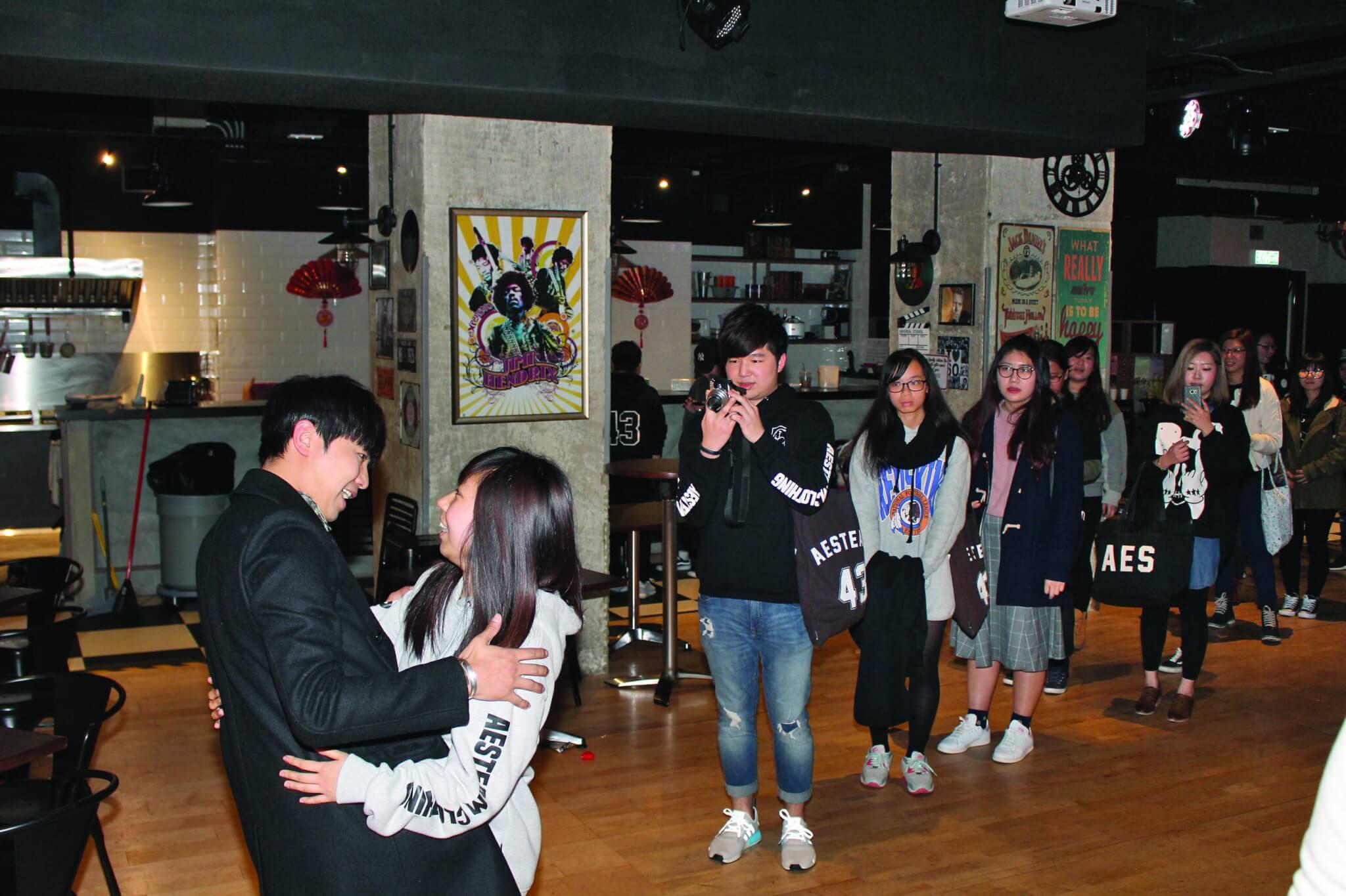 小鬼每次到香港都抽時間和歌迷共聚。