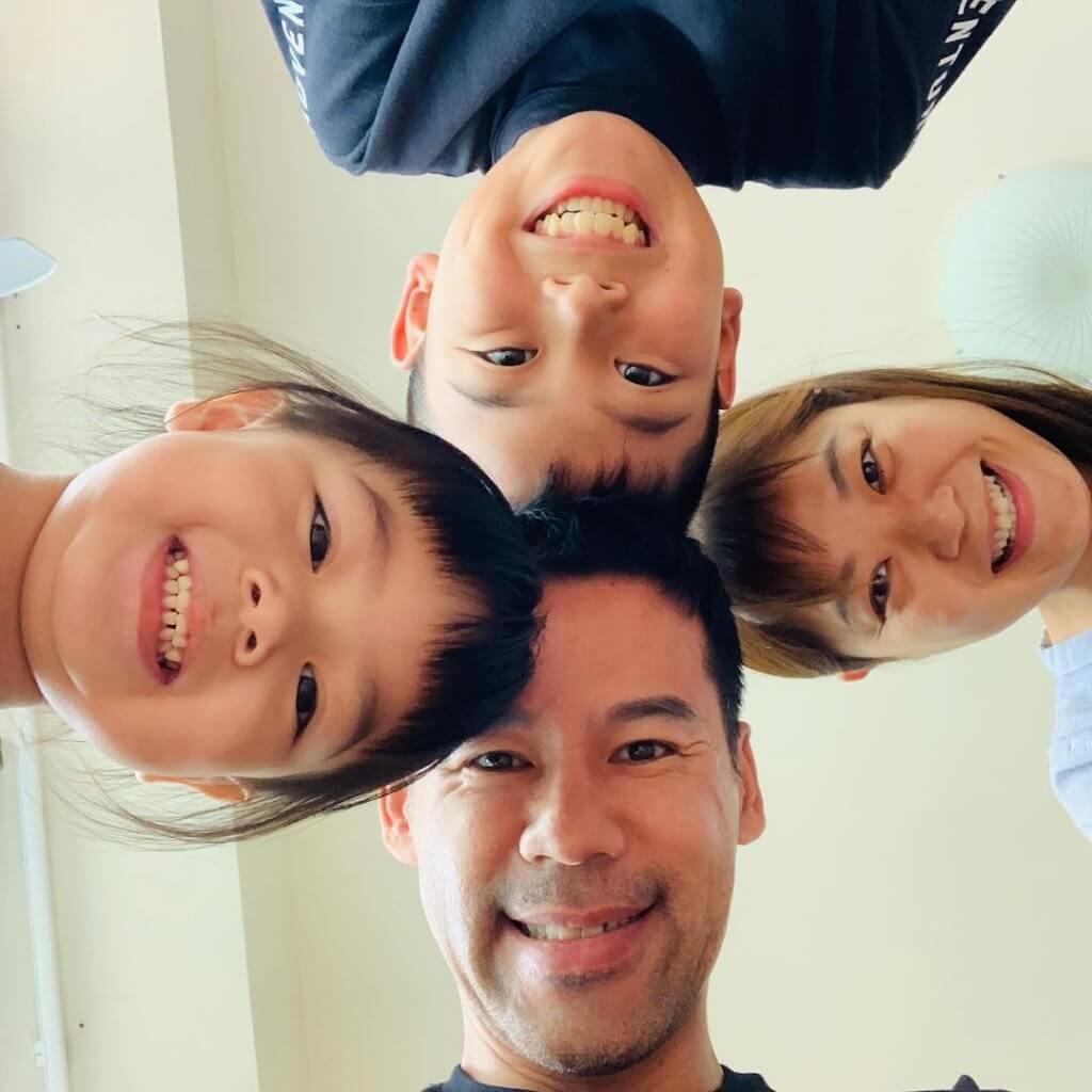 徐榮一家是公認的幸福之家,一家四口不時拍廣告。