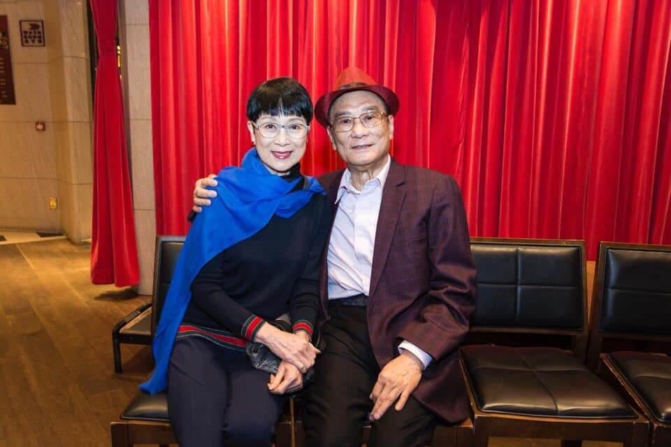 炳哥當年拍第一套動作片是陳寶珠的《女殺手》,寶珠姐也曾出席炳哥的生日派對。
