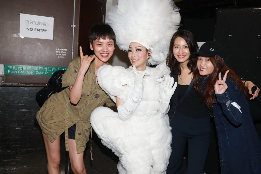 賴雅妍與李曉峰及導演麥曦茵相約欣賞鄭秀文演唱會