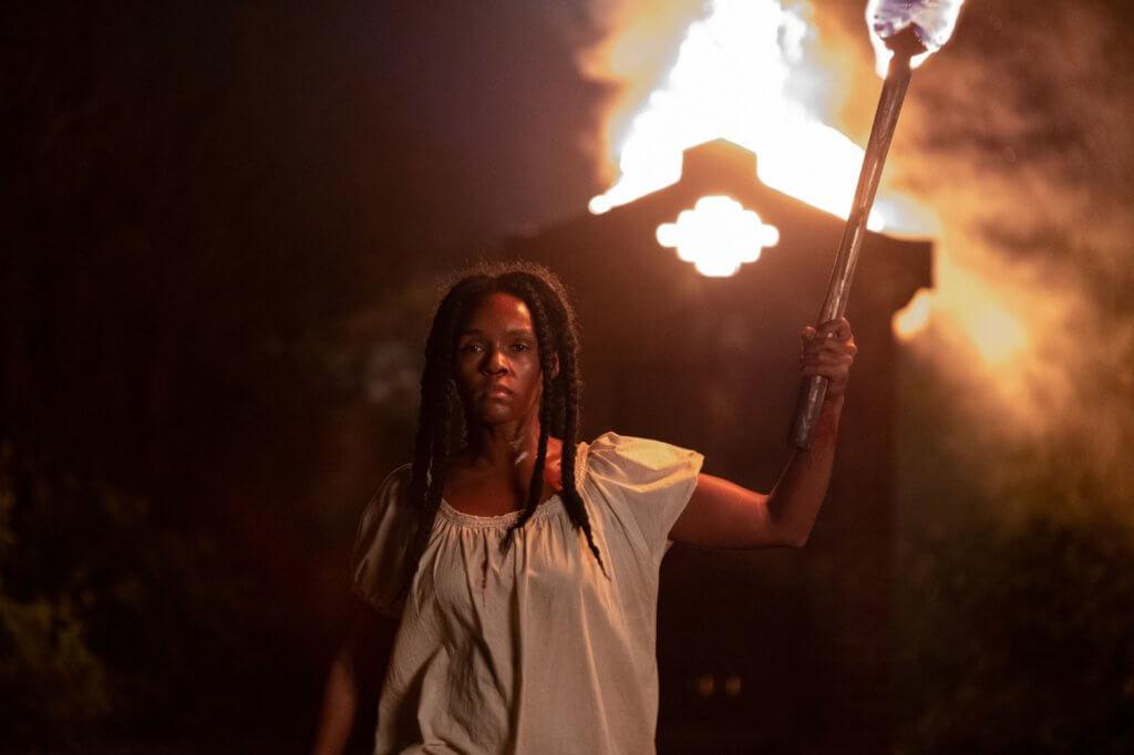 珍奈兒在《顫.役.前》捲入一場恐怖種族迫害中,淪為黑奴,等待機會反抗。
