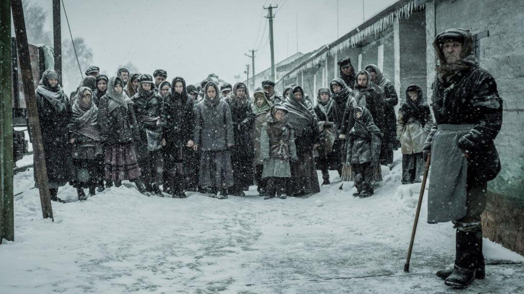 主角揭開了史太林政府造成大饑荒的暴行