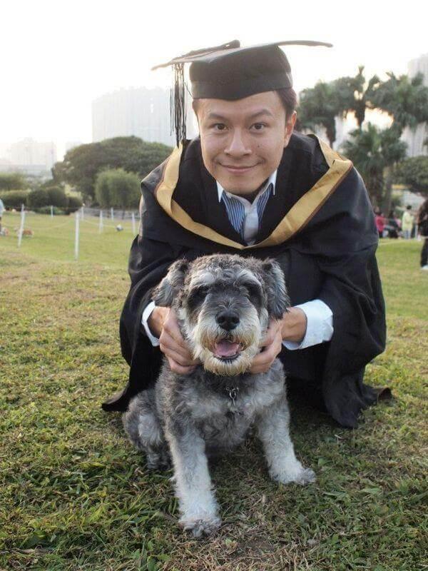 陳健安畢業於理工大學護理系,有資格做護士。