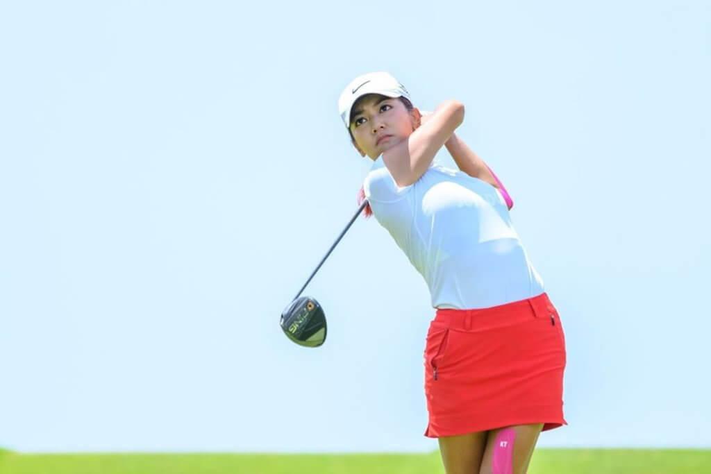 何雁詩是高爾夫球港隊代表,曾參加廣州亞運。
