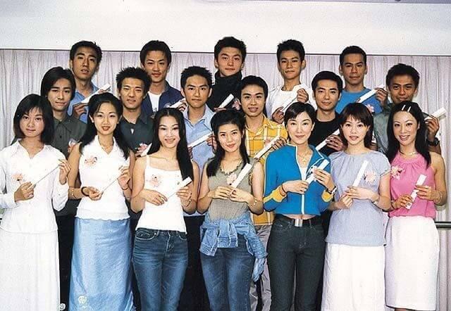 九九年藝訓班畢業,與楊怡、林峯同屆,他笑言當時大家皮膚粗糙,未懂得扮靚。