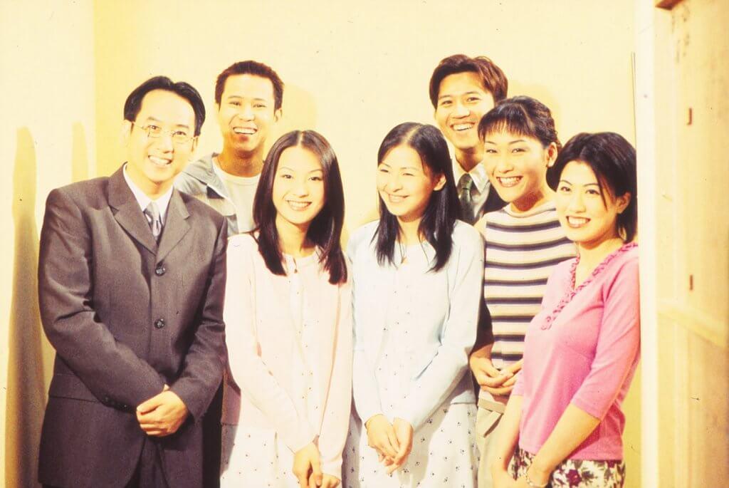 二千年與蔣志光、陳彥行等拍攝《男親女愛》。