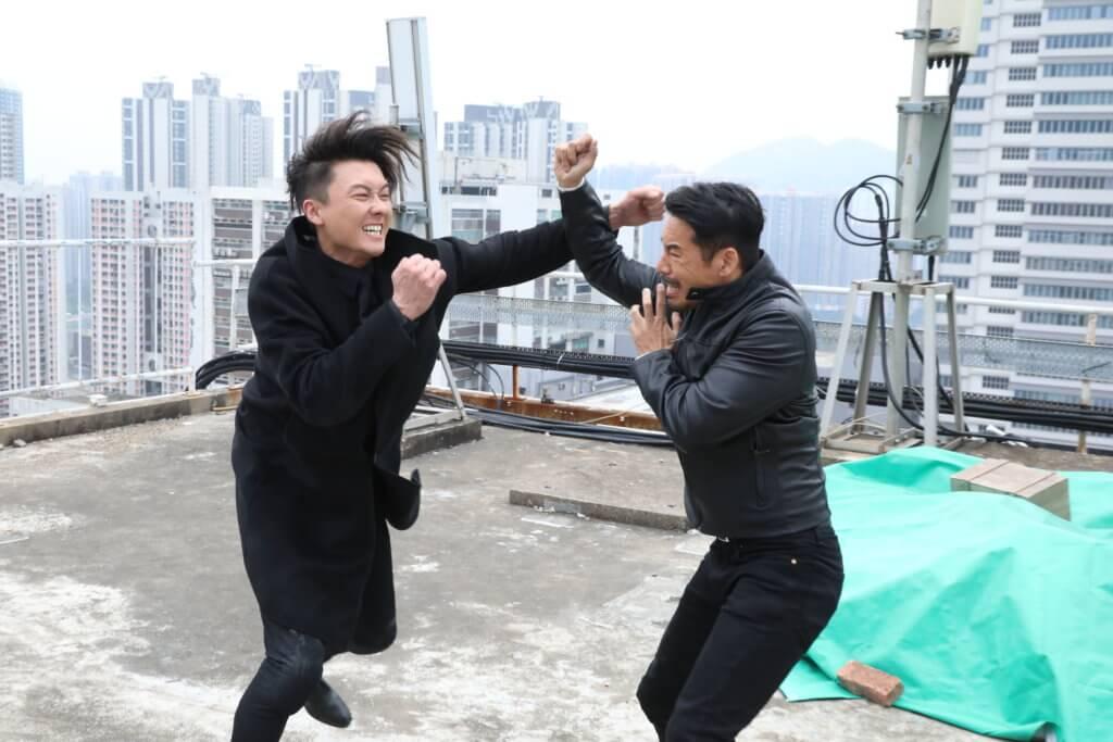 《反黑路人甲》飾演的喪鐘,與王浩信有很多對打戲。