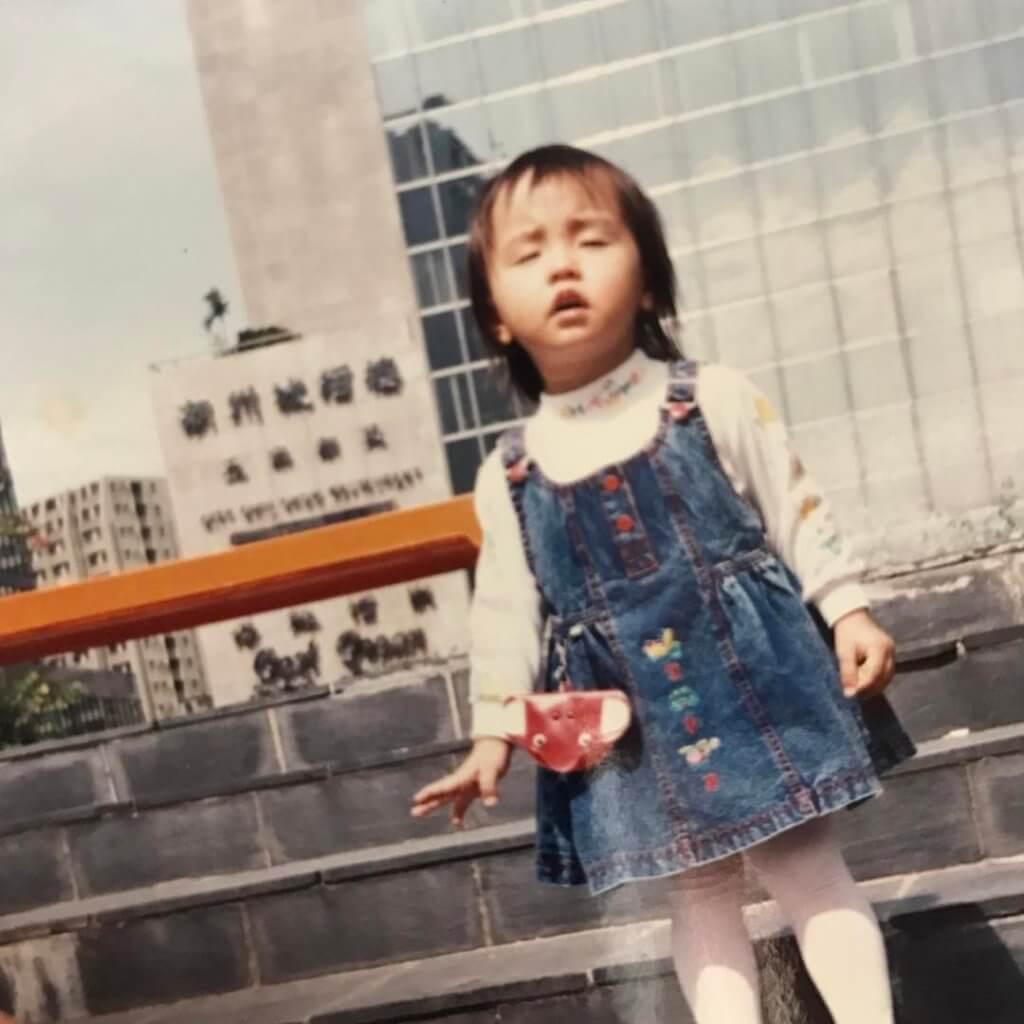 糖妹貼出童年照,有人說像周杰倫。