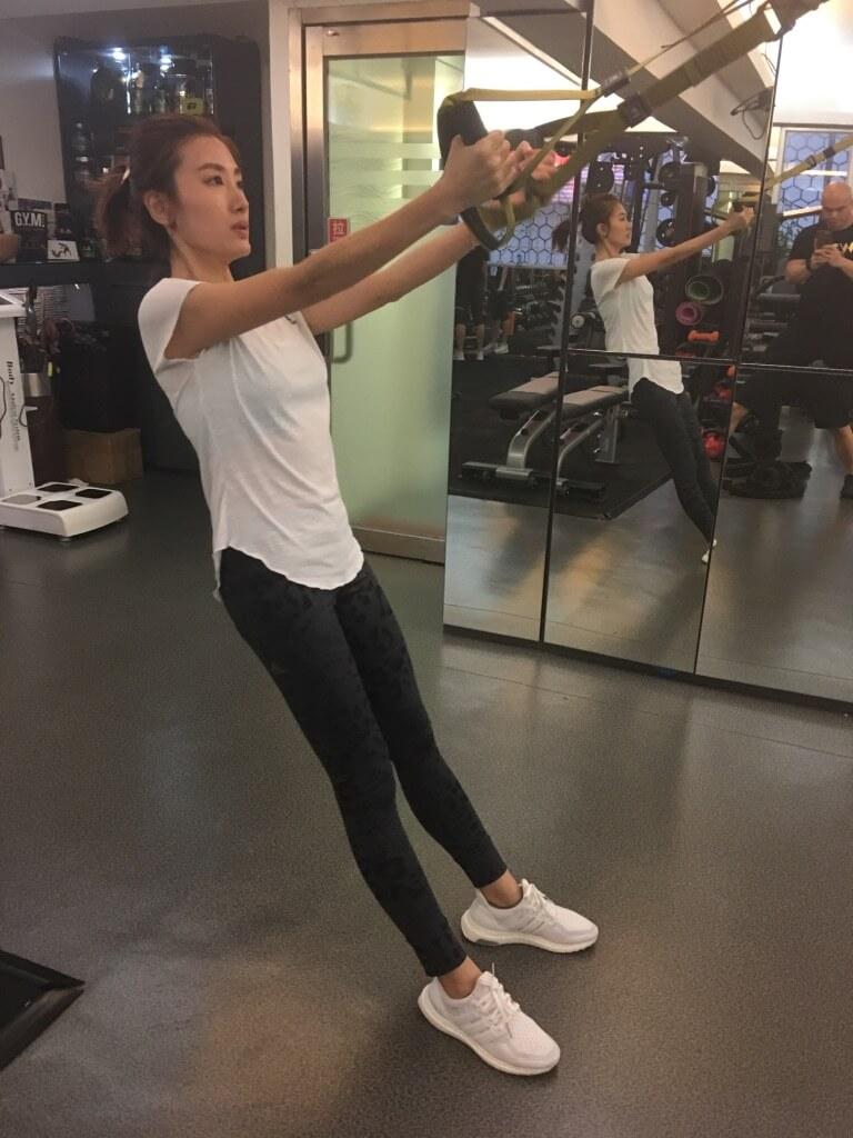 為了保持最佳狀態,她堅持一有時間就做Gym。