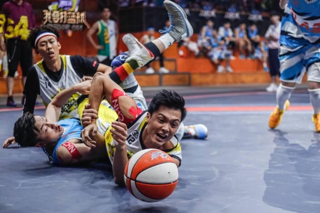 本身是香港甲一籃球員的他,去年參加真人騷《我要打籃球》,跟林書豪及鄧倫等人組隊。