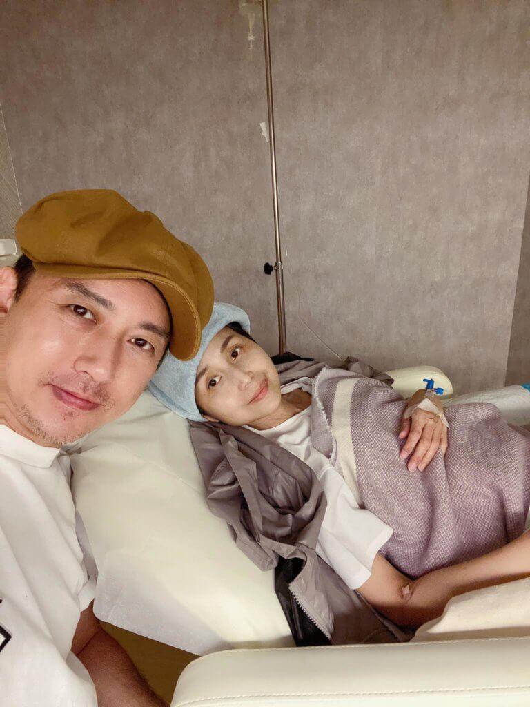 林子博上周陪太太入院進行幹細胞治療,太太目前情況良好。