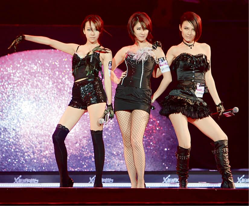 甄詠珊、陳樂榣及石詠莉當年擔任整容代言人並組成組合Freeze,曾經是最有話題性的組合。