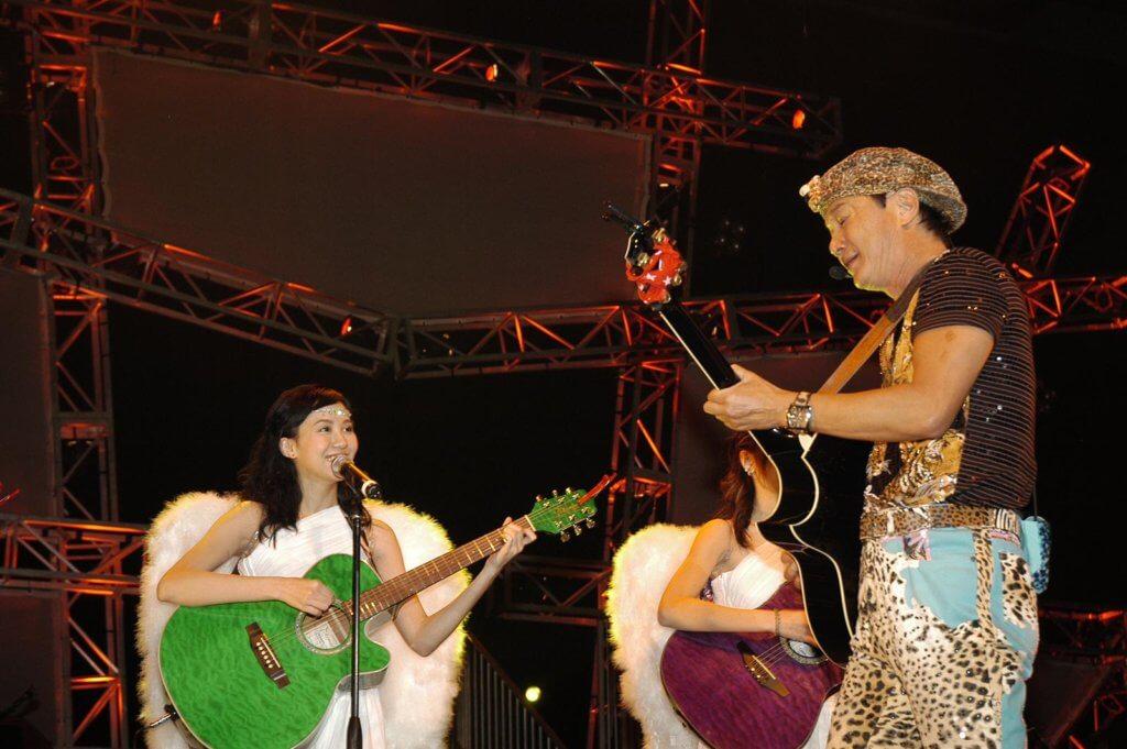 甄詠珊當年幸運地被許冠傑選中擔任Sam's Angels,除了登上紅館舞台,還跟着阿Sam做巡迴騷。