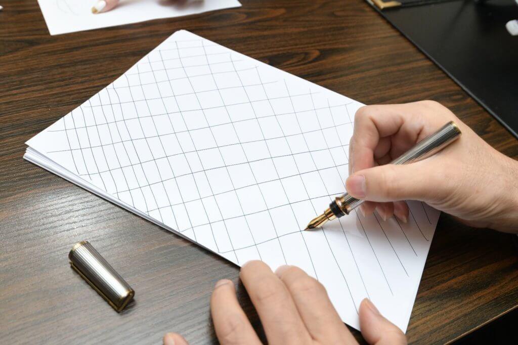 學前小朋友學劃線條,可以鍛練手臂肌肉,比學寫字更適合。