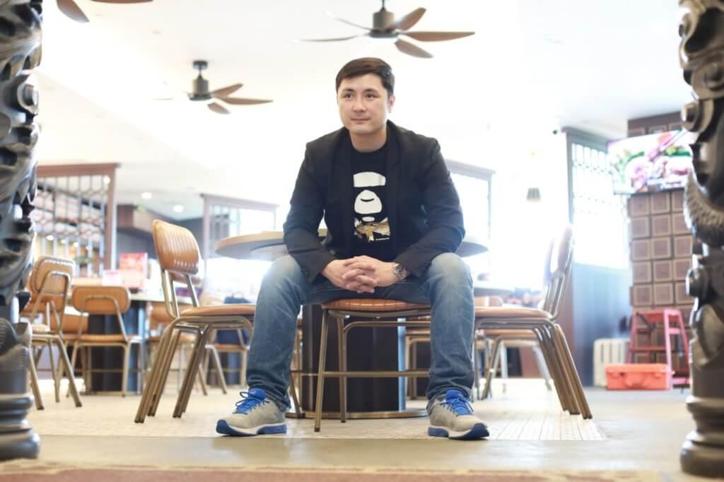 李泳豪會每天相約爸爸吃飯,兩父子洽談餐廳發展方向。