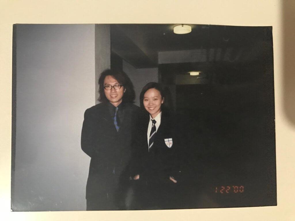由吳鎮宇執導的《自從他來了》,黃子華在戲中飾演Tutor,當時仍是特約演員的甄詠珊飾演學生。