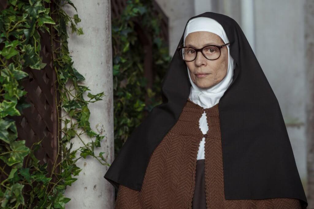 金球獎提名女星桑妮婭布拉嘉飾演歷經滄桑的路濟亞修女。