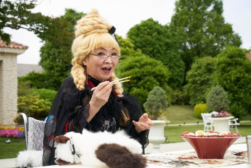 KOL龍捲風婆婆大讚小露寶烏龍弄出的無湯擔擔麵