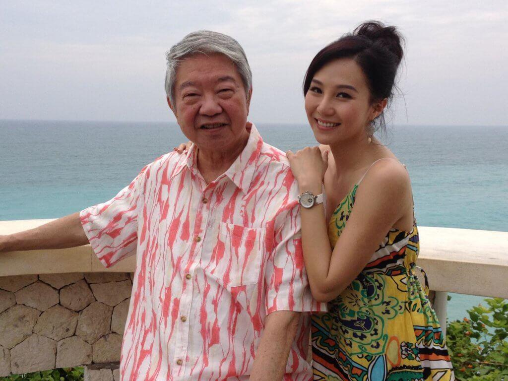 甄詠珊與蔡瀾主持亞視節目《蔡瀾亞洲一樂也》,除了在香港四出覓食,還到廣東開平、曼谷及印尼峇里島拍外景,每天飲飲食食嘆世界,令她拍得非常開心。