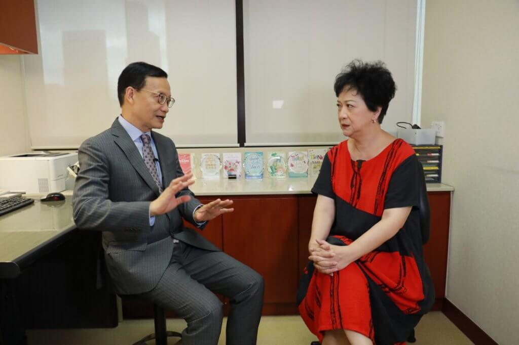主持劉桂芳偶有眩暈情況,余醫生的詳細講解令她大為獲益。