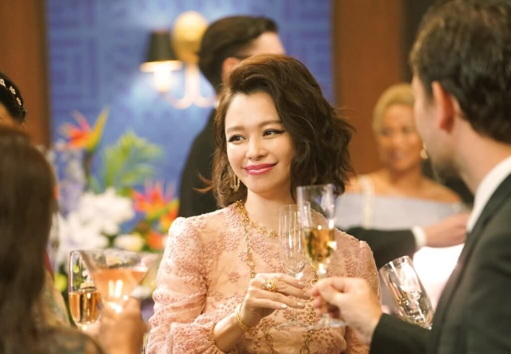 徐若瑄飾演的富家大小姐,絕不好惹,不停暗算達子。