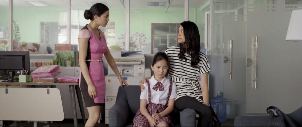 片中大家姐Carol(右)及妹妹Sasha(左)兩個角色是導演的分身