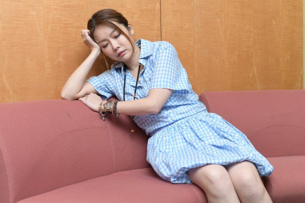 張韋怡因為工作關係經常捱夜,睡眠質素欠佳對心情也有影響。