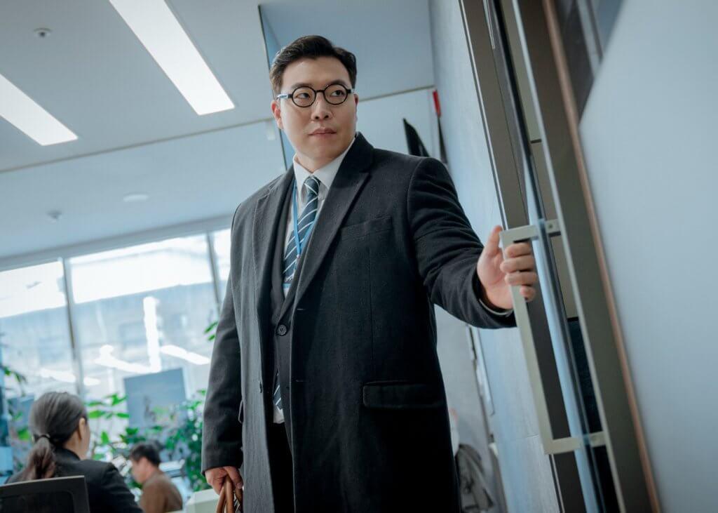 太垣晳身形魁梧,他說為了演這個詐騙犯角色,增了三十公斤。