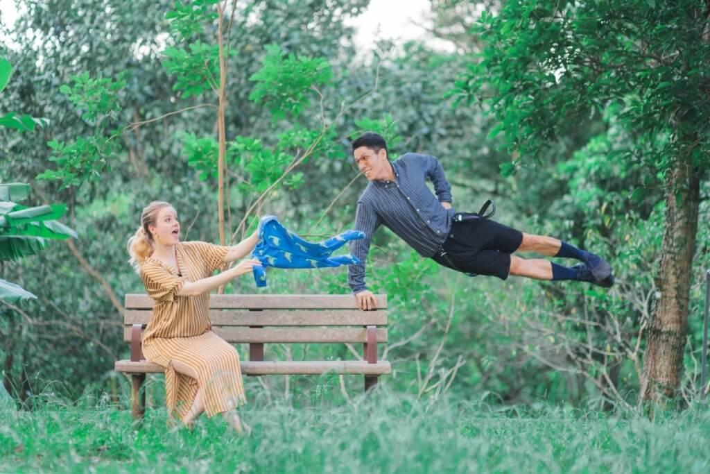 陳明恩跟丈夫這張照片,看上去有難度,但其實有乾坤。