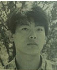 成東溢年輕時,原來都幾俊俏。