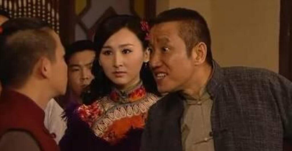 黃煒溏在劇集《大藥坊》飾演湖南幫土匪,帶人到高海寧的酒館鬧事,並將她挾持到後巷試圖強姦。