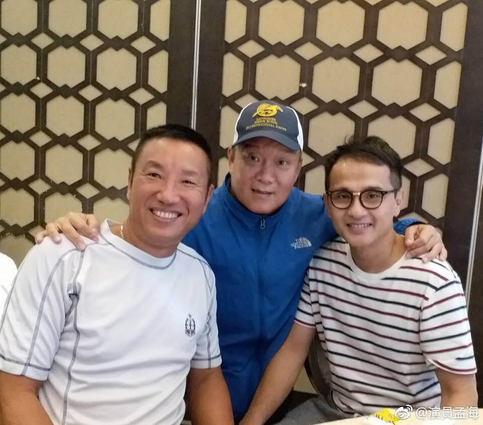 黃煒溏出身於邵氏,至今仍有與邵氏的師兄弟孟海及邵卓堯聚舊。