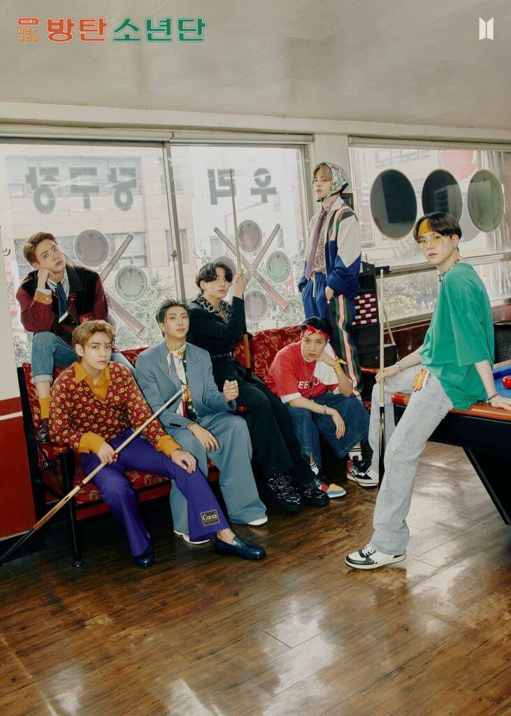 BTS全員以懷舊造型上陣,展現花樣年華。