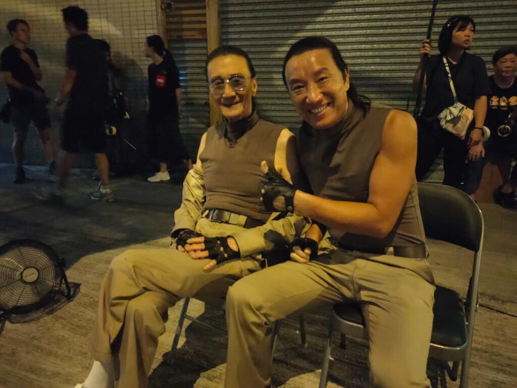 黃煒溏曾在無綫劇集《武林世家》擔任謝賢替身,去年在在林家棟監製的電影《殺出個黃昏》再度擔任謝賢的替身,他坦言事隔幾十年再做對方替身而感到高興,更視四哥為娛樂圈真英雄。