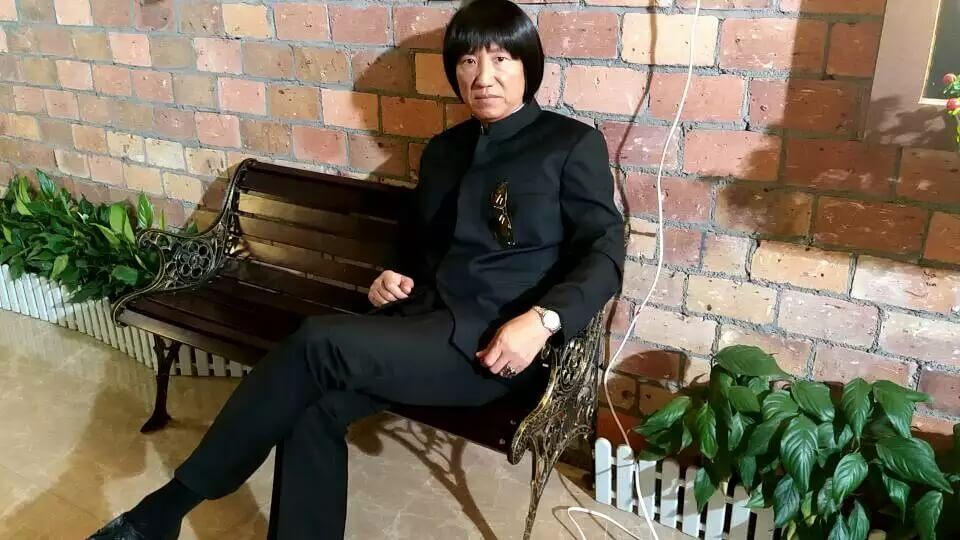 黃煒溏在《賭城群英會》飾演越南幫頭目大聖哥,其造型影射黑幫「上海仔」。
