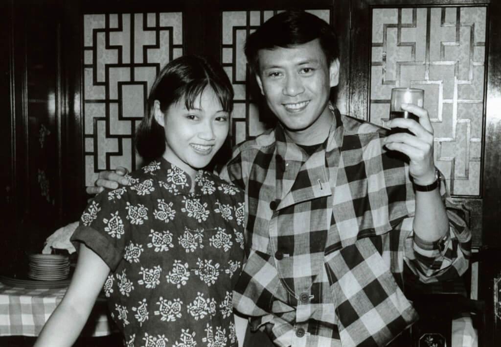 陳安瑩在羅文的舞台劇《柳毅傳書》演出,扮演書僮。