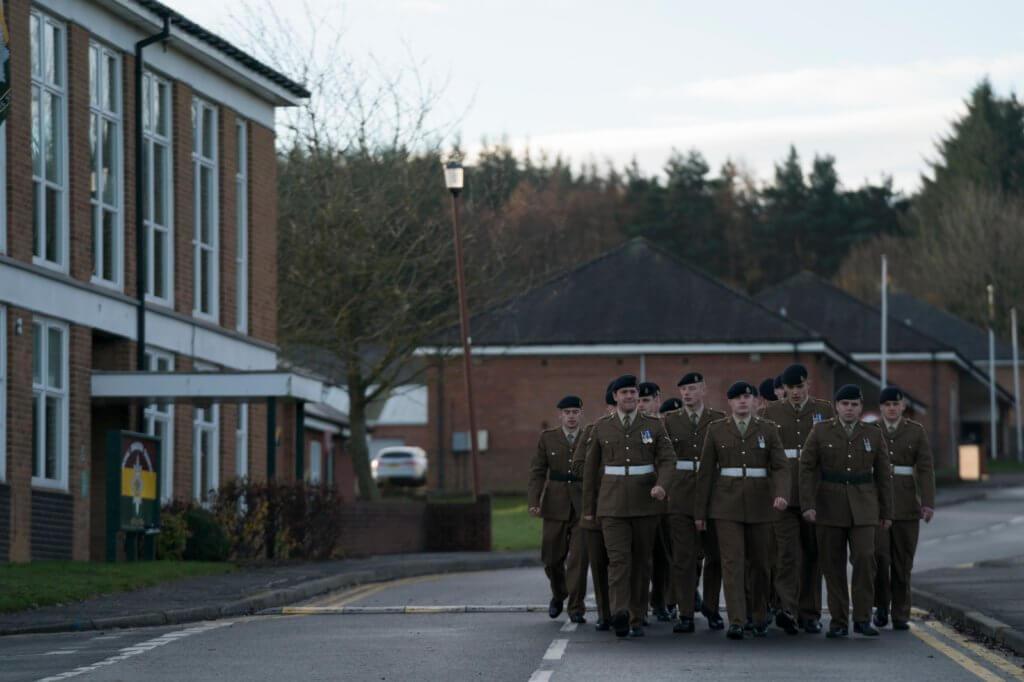 片中傳神地重現九十年代英軍軍營的生活狀況