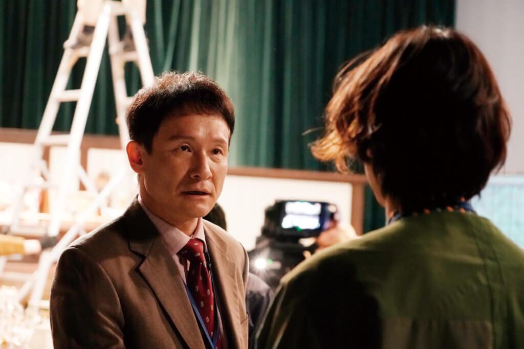 導演拍出了日本綜合電視節目台前幕後的眾生相
