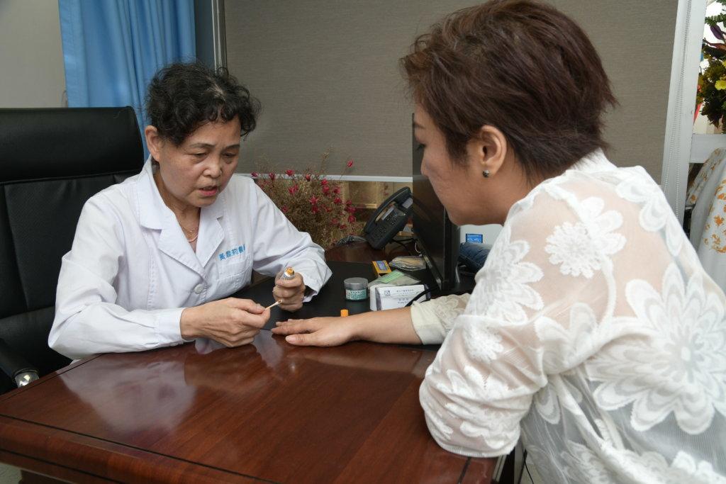 黃醫師研究劉雅麗的濕疹屬於那一種類型