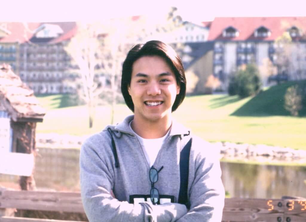 章志文在加拿大麥馬士達大學心理系畢業,他平日也喜歡觀察別人的一舉一動,對演戲亦有幫助。