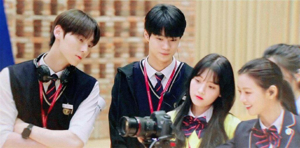 黃旼炫飾演的高恩澤,是西延高中廣播部部長,所以在劇中有不少拍攝場面。