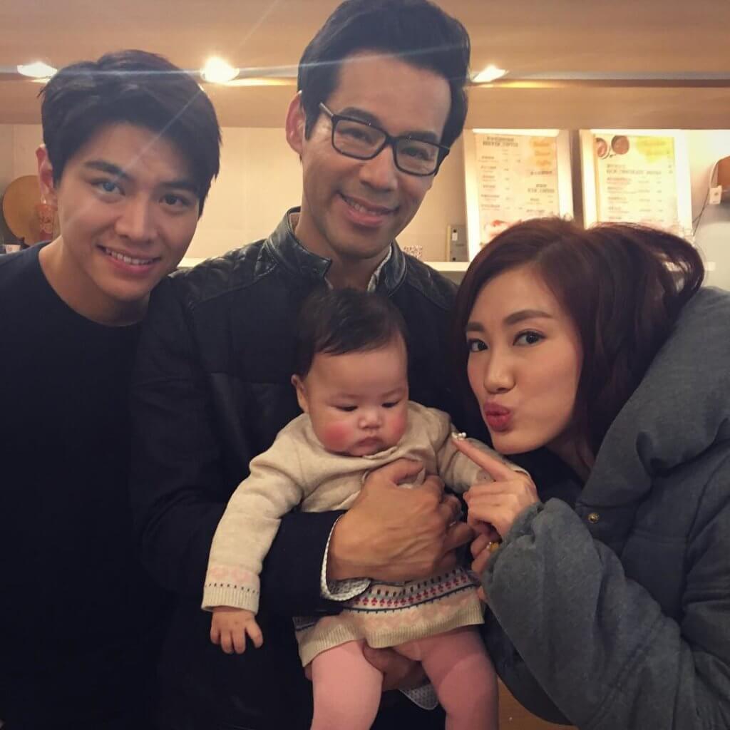 羅天宇和徐榮、蔣家旻及徐榮的BB女包包在《愛‧回家》等馬家成員非常入屋