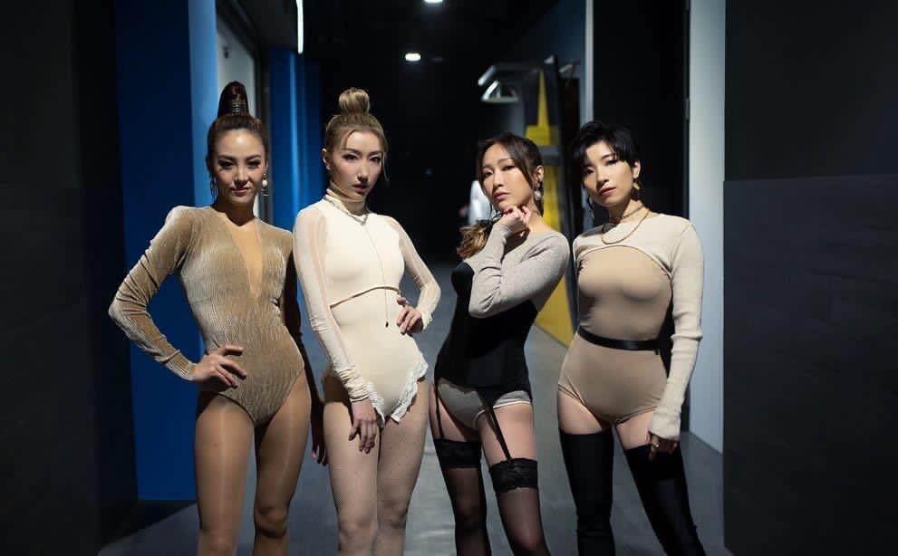 三十強階段,Mischa的A組上演火辣女團性感舞,成功讓網民爆炸式洗版。