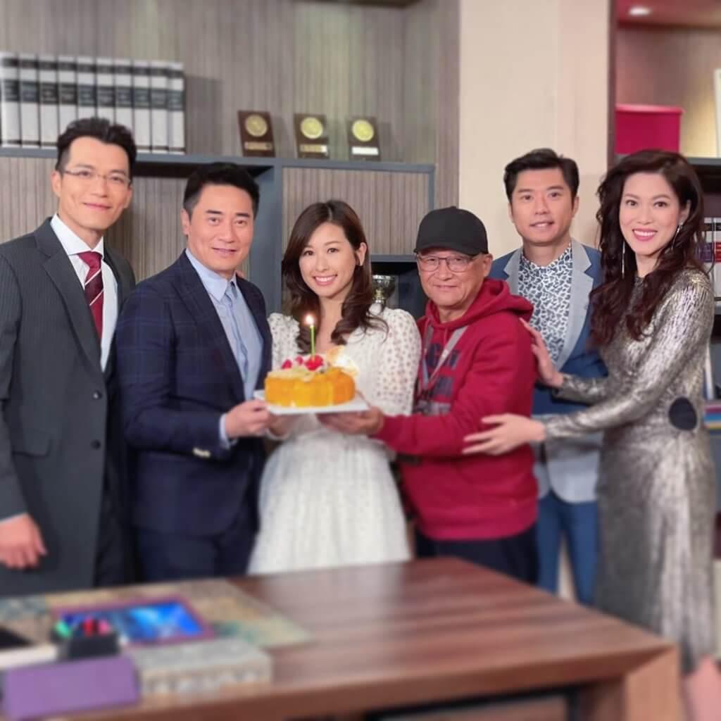 趙希洛今年加入《愛‧回家之開心速遞》劇組,早前一眾演員為她與歐瑞偉慶祝生日。