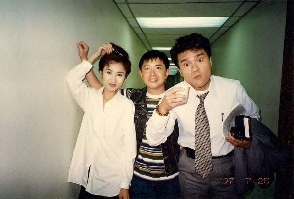 九八年與林家棟、袁潔瑩合作《緣來沒法擋》。