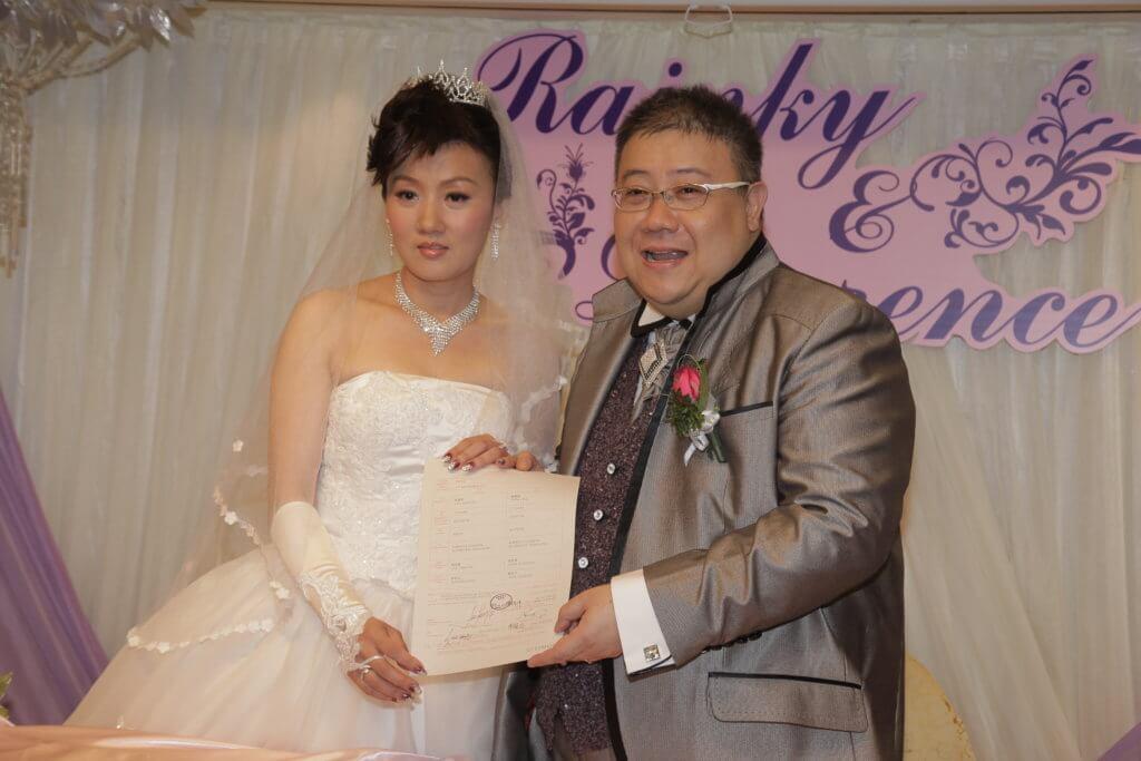 劉錫賢一三年結婚,前年離婚令他賠上一筆贍養費。